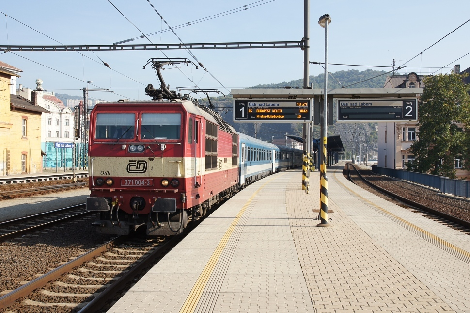 http://www.janw.de/eisenbahn/archiv/cz/2011/3001.jpg