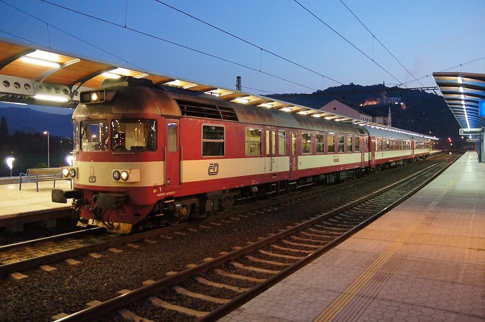 http://www.janw.de/eisenbahn/archiv/cz/2011/3016.jpg